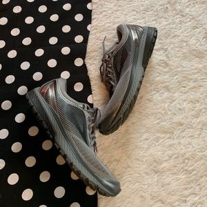Brooks ghost 10 running sneakers sz 10.5 shoes